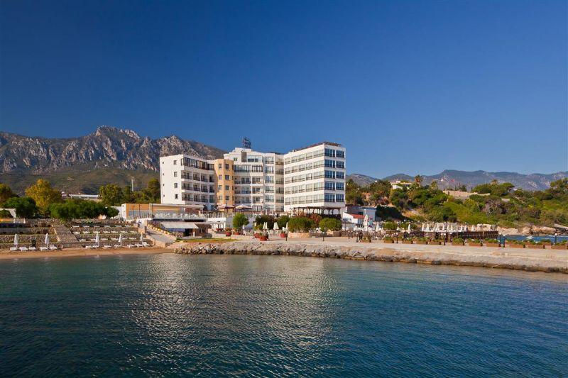 Ada Beach Hotel Fotoğrafı